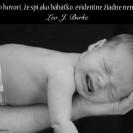 Kto hovorí, že spí ako bábätko, evidentne žiadne nemá.